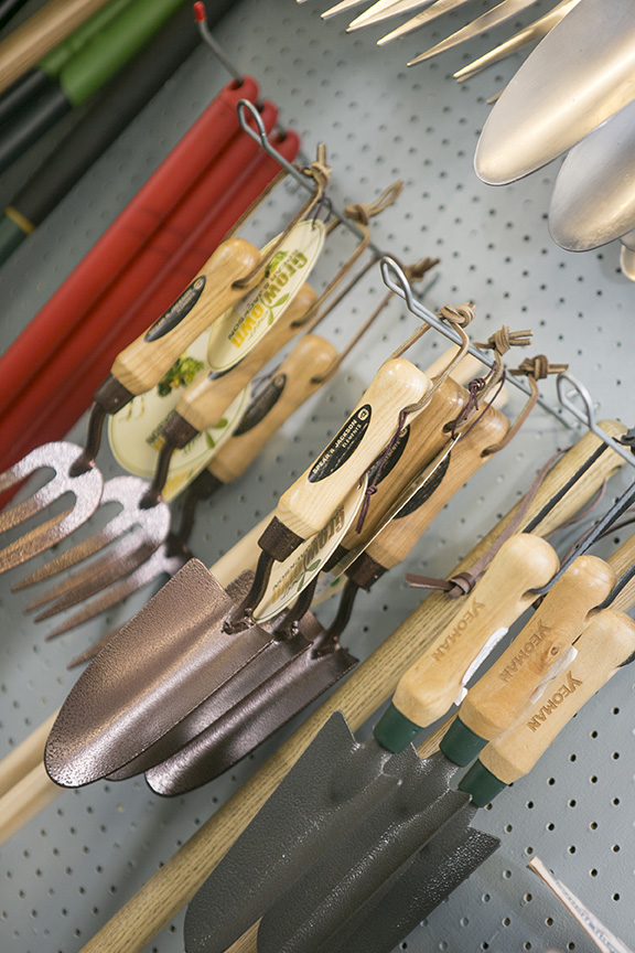 Garden Tools for Sale - Thorngrove Garden Centre Shop
